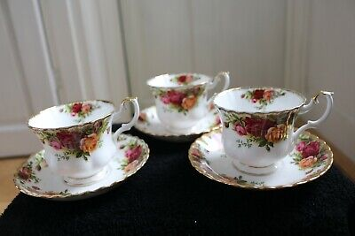3 X Royal Albert 'Old Country Roses' Bone China England Tea Cups And Saucers Set • 30£