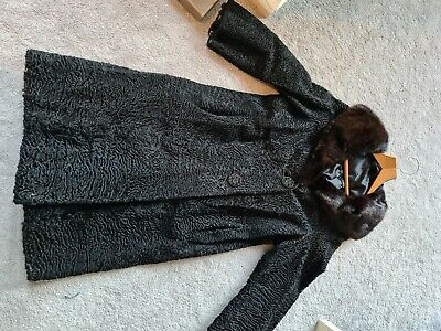 £20 • Buy Long Black Gothic Style Coat, Beautiful Detail And Fur Collar.