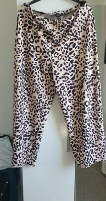 £4 • Buy Womens Flairy Animal Print Trousers Size 16 New Look Summer Holiday Wear