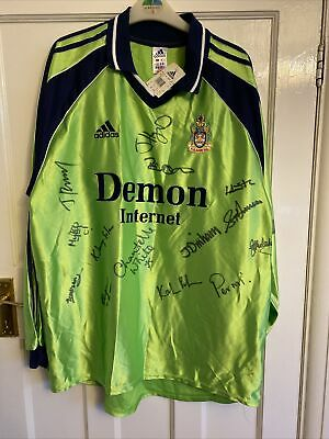 £40 • Buy Fulham, XL Goalkeeper Top Signed By Fulham Ladies Players Early 2000's