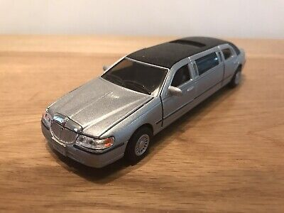 £8 • Buy 1999 Lincoln Town Car Stretch Limousine ( Kinsmart ) Scale 1/38