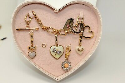 £69.08 • Buy JUICY COUTURE - Goldtone Toggle Bracelet & Charm Set In Heart Box