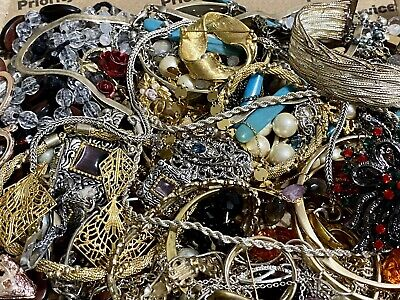 $ CDN19.51 • Buy (Lot 30) Huge Lot Vintage To Now Jewelry 2 Lbs. Many Signed, 925, Gold Plated