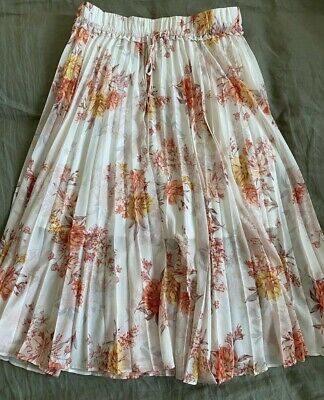 AU18 • Buy Forever New  Pleated Floral Skirt 12 NWT