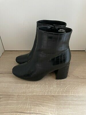 £3.99 • Buy New Look Black Croc Effect Ankle Boots Size 6