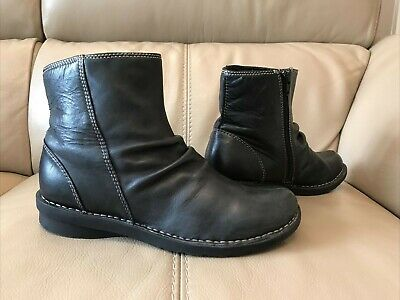 £7.50 • Buy 'clarks' Black Leather Ankle Boots Size 6