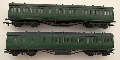 £8 • Buy X2 Airfix S.r. Green Coaches For Restoration/spares Oo Gauge
