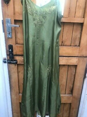 £5 • Buy Cazz Green Embroidered And Sequin Dress Size M-L