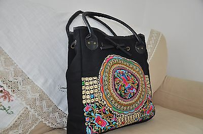 Canvas Shoulder Bag With Embroidery Pattern • 15.99£