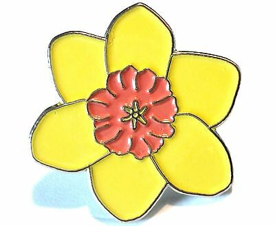 Yellow Daffodil National Flower Of Wales Welsh Symbol Metal Badge St Davids Day • 2.49£
