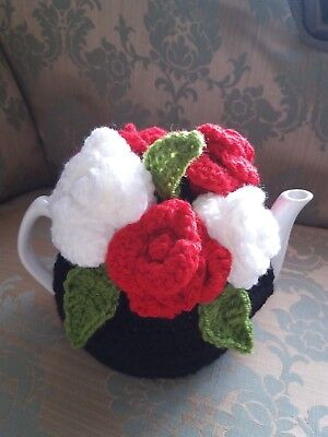 £15 • Buy Vintage Tea Room Look Hand Crochet Black With Bouquet Of Red And White Roses