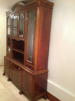 Dining Room Display Cabinet,Italian Make Glossy Walnut,Lockable,superb Condition • 150£