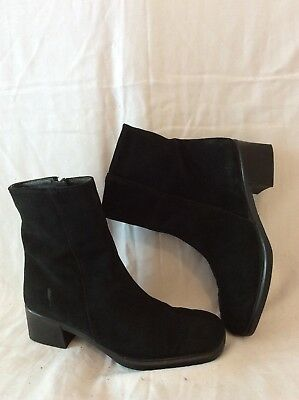 £32 • Buy Rohde Black Ankle Suede Boots Size 5