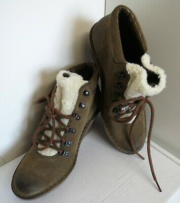CLARKS LADIES ANKLE BOOTS Size 7, Suede & Faux Fur, Outdoor Walking Style, BNWT • 16.99£