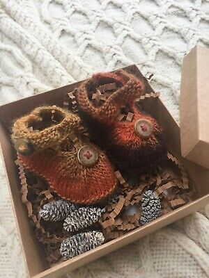 Hand Knitted  Baby Girl Shoes New Born Gift • 2.10£