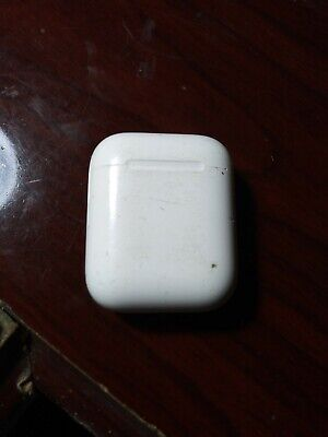 $ CDN57.84 • Buy Apple AirPods With Charging Case - White