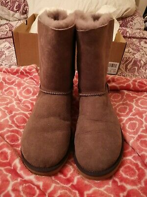 £75 • Buy Bailey Bow Ugg Boots Size 7