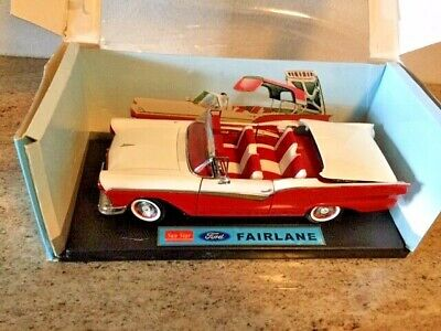 $209 • Buy VERY RARE! 1957 Ford Fairlane Skyliner W/RETRACTABLE HARDTOP DIECAST 1/18 Scale