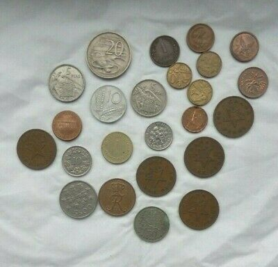 Job Lot Of 24 Old Foreign Coins • 5£