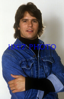 $14.50 • Buy #536,RICHARD DEAN ANDERSON,macgyver,stargate,11X17 POSTER SIZE PHOTO