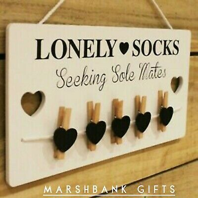 Wooden Lonely  Socks Seeking Sole Mates Peg Laundry Room Plaque Wall Lost Sign • 11.99£