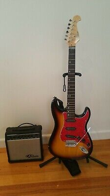 AU100 • Buy Electric Guitar With Amp, Lead, Bag & Tuner
