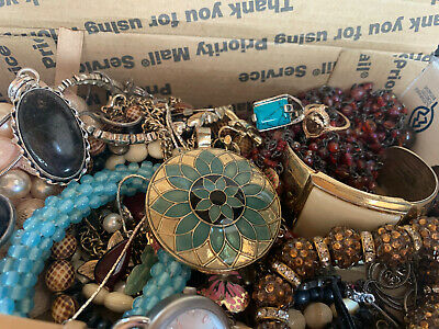 $ CDN25.12 • Buy Vintage To Now Jewelry Lot Unsearched Untested Estate Finds B9