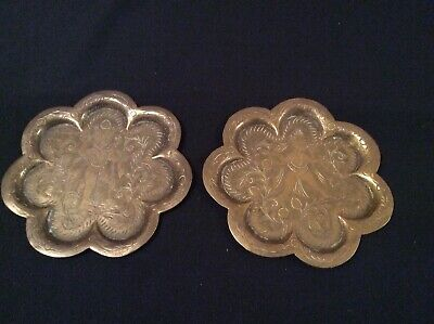 2 Antique Indian Hindu Scalloped God Figure Small Trays /Plate Hand Carved Brass • 30£