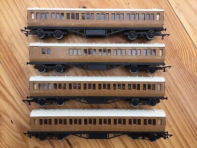 Grafar OO Gauge LNER Corridor Coaches: 3 1st / 3rd Class + Brake. Detailed. • 44£