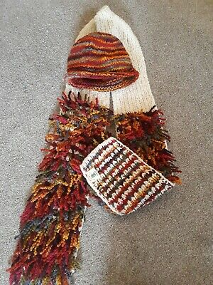 Ladies Pachamama Hat And Scarf • 10£