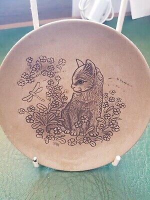Poole Pottery Stoneware Plate Dish - Kitten With Dragonfly (Cat Series) • 3£