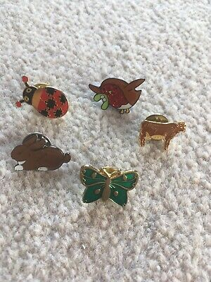Collection Of Animal Pin Badges • 3£