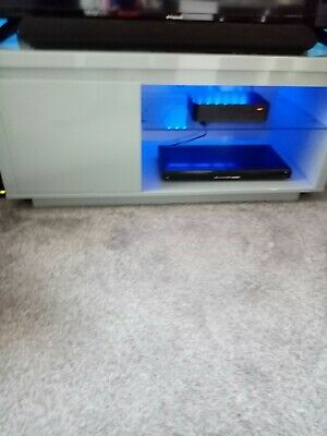 Polar Grey High Gloss TV Cabinet. Very Good Condition. With Glass Shelf & Light. • 50£