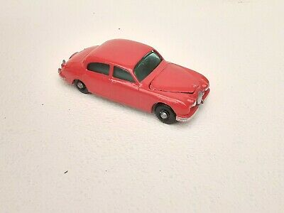 AU30 • Buy Matchbox Lesney #65 3.4 Litre Jaguar
