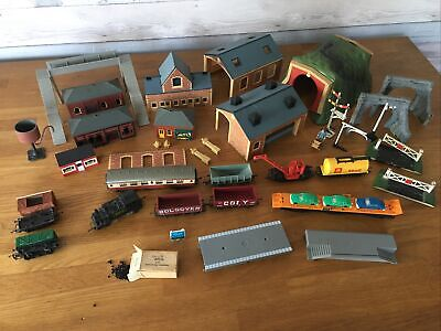 Job Lot Of Model Railway Engine, Carriage, Wagons, Accessories; Hornby & Tri-ang • 10.52£