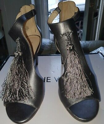 Lovely Pewter Nine West Shoes Size 5 • 3.99£