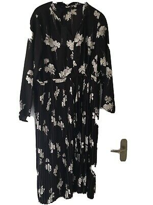 LADIES MARKS AND Spencer M & S Dress AUTOGRAPH Size 20 Black Pattern Pleats • 14.99£