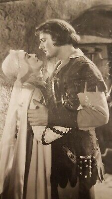 1938, Photo,  Errol Flynn & Olivia De Havilland In The Film ROBIN HOOD • 6.99£
