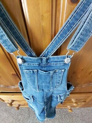 Girls H&M DENIM Blue Ripped Dungaree Jeans Shorts AGE 10-11. Excellent. • 3£