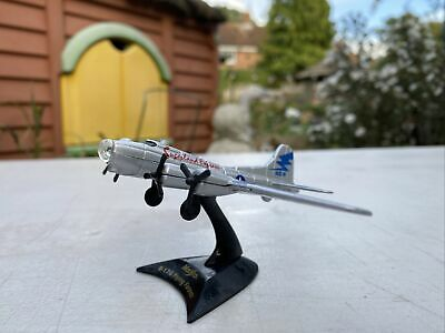"Maisto Diecast Aircraft - Boeing B-17G Flying Fortess ""Sugarland Express"" • 5.49£"