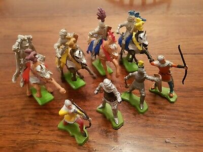 Vintage Britain's Deetail Toy Soldiers Knights And Horses  • 0.99£