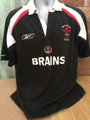 Mens Wales Rugby Union Shirt Reebok Vintage Size M • 7.50£