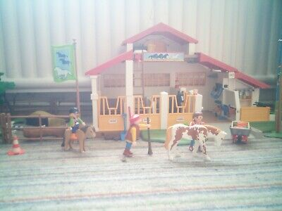 Playmobil Horse Stable • 3.70£