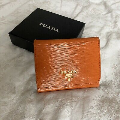 PRADA Saffiano Trifold Wallet Purse With Coin Pouch  • 150£