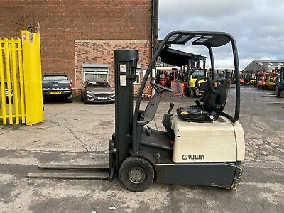 Used Electric Forklift Truck Toyota FBESF-12 2005 Standard Container Spec 1200KG • 3,250£