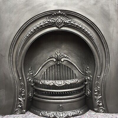 Cast Iron Fireplace / Fire Surround / Insert / Victorian Arch Style / Solid Fuel • 310£