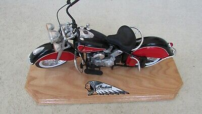 New Ray 1948 Indian Motorcycle 1:6 Scale Die Cast Road Cruiser Custom Wood Stand • 202.25£