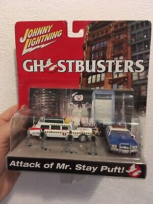 Johnny Lightning 1:64 Ghostbusters Attack Of Mr Stay Puft Ecto-1 Police Car Set • 25£