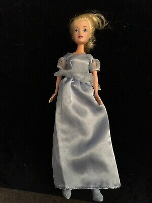 Disney Princess Cinderella Beautiful Doll With Blue Dress And Shoes SIMBA • 1.20£