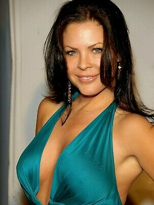 $ CDN6.99 • Buy Christa Campbell Unsigned 8x10 Photo A